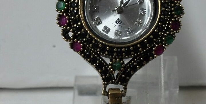 Silver Wristwatch with Special inlaid